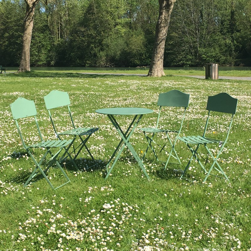 table 4 chaises de jardin en fer pliable salon de jardin bistrot vert ebay. Black Bedroom Furniture Sets. Home Design Ideas